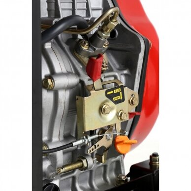 Dyzelinis generatorius 6500W 12/230V AVR 5