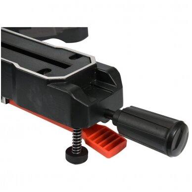 Medžio pjovimo staklės su lazeriu /padavimo funkcija YATO 305mm 1800W 6