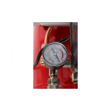 Oro kompresorius 24L,220V,206L/MIN. 5